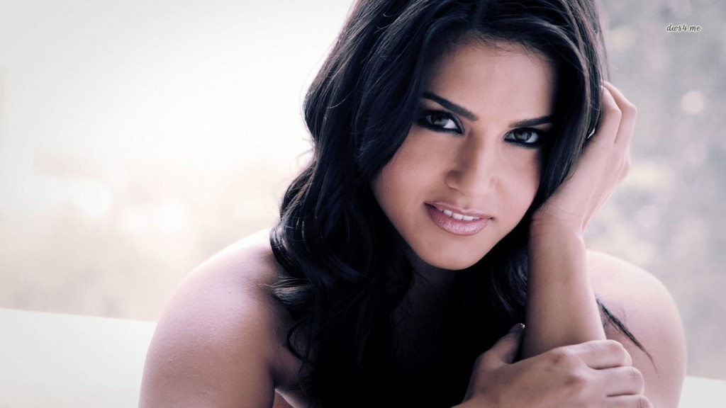 Desktop-Sunny-Leone-HD-Wallpapers-1366x768-10-1024x576