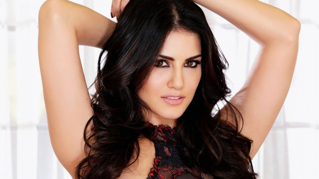 Desktop-Sunny-Leone-HD-Wallpapers-1366x768-3-1024x576