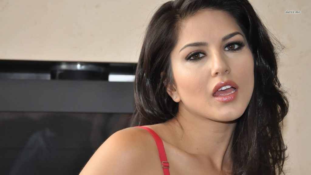 Desktop-Sunny-Leone-HD-Wallpapers-1366x768-4-1024x576