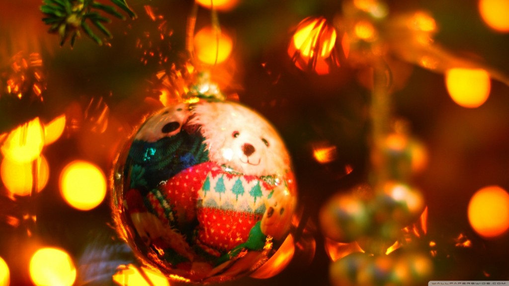 Christmas Background Wallpaper HD teddy_christmas-wallpaper-1366x768