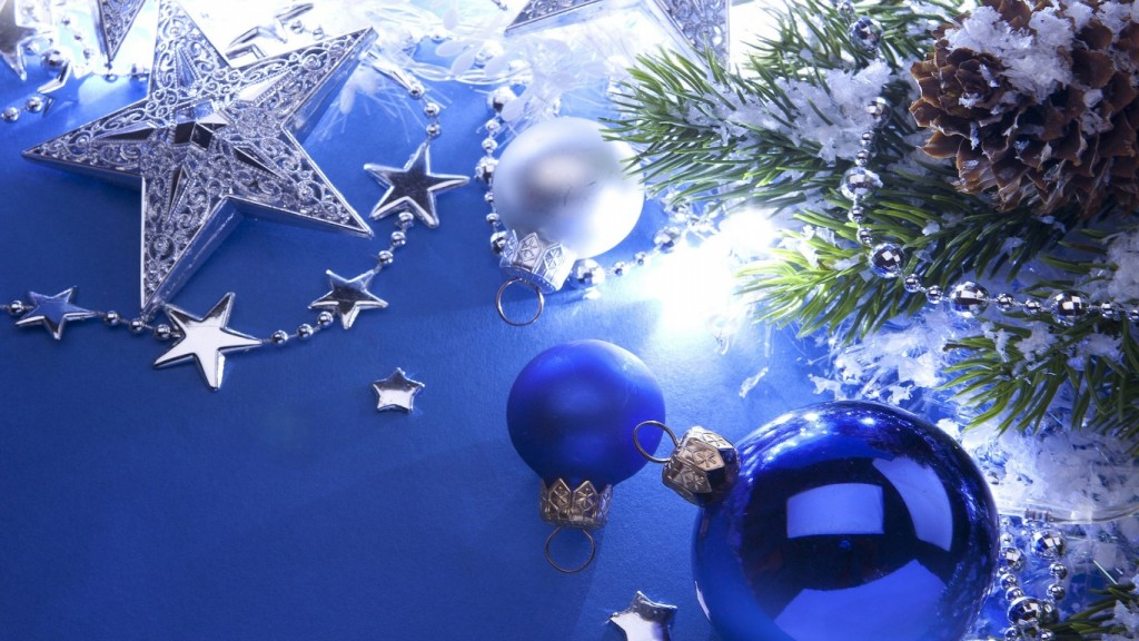 Christmas Wallpaper christmas-decoration-1366x768