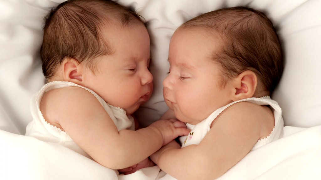 Cute Baby Pictures HD 1366x768 pequenos-twins-baby-boy-fotos