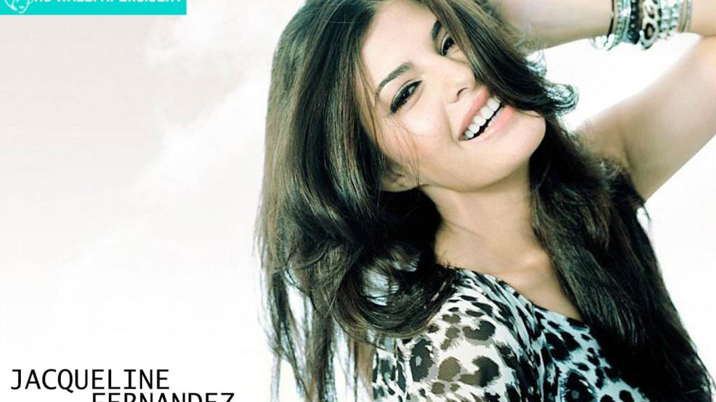 Jacqueline Fernandez 1366x768 seksikäs