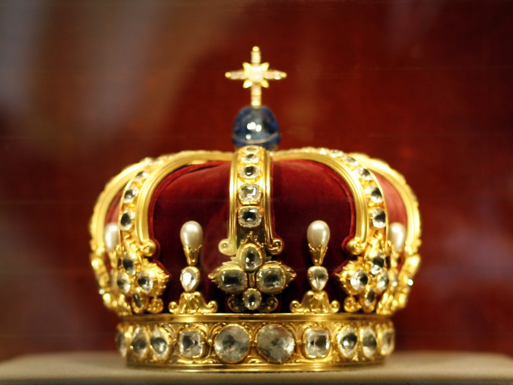Royal-Queen-Crown-Wallpaper-Msr3X-1024x768