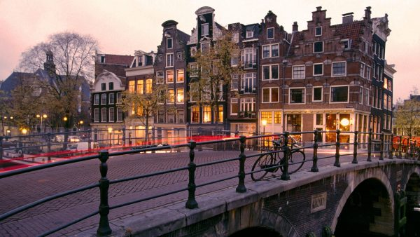 amsterdam-wallpaper-HD2-2-600x338