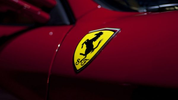 ferrari-logo-wallpaper-HD2-600x338