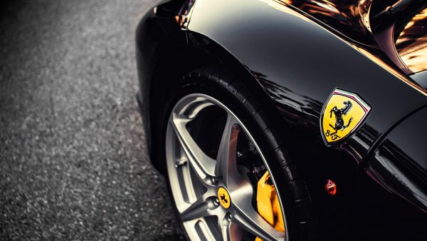 ferrari-logo-wallpaper-HD9-600x338