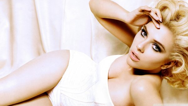 Scarlett Johansson wallpapers HD7