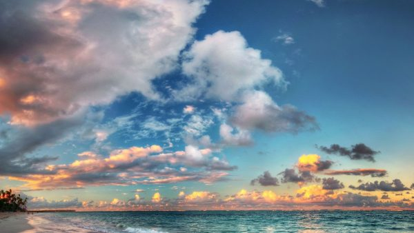 Wondrous Sky Over Azure Sea HD Desktop Background