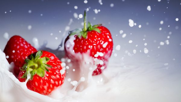 strawberry-wallpaper-HD2-600x338