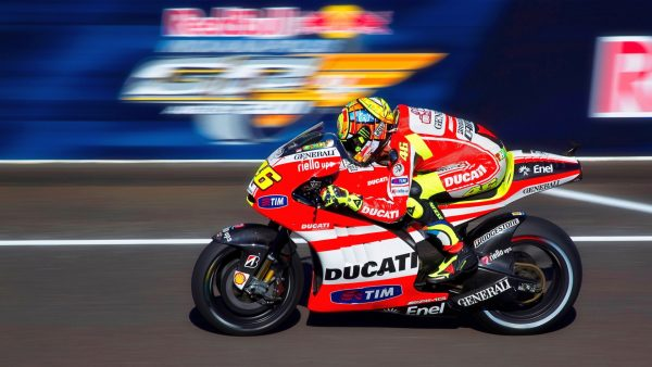 valentino-rossi-wallpaper-HD8-600x338