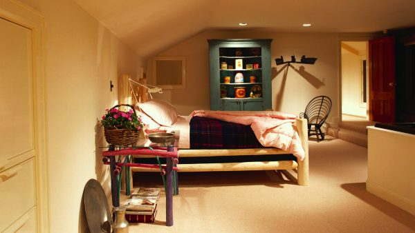 wallpaper-bedroom-HD5-600x338