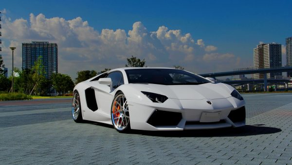 wallpaper-lamborghini-HD4-600x338