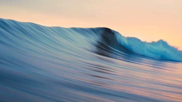 waves-wallpaper-HD1-600x338