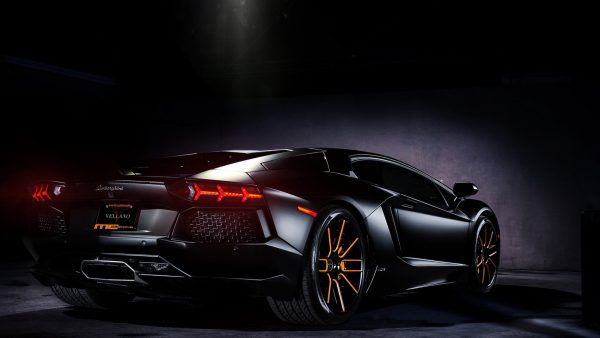 car-wallpapers-hd-HD1-600x338