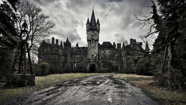 castle-wallpaper7-600x338