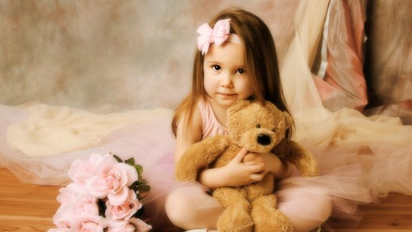 cute-girl-wallpapers-HD6-600x338