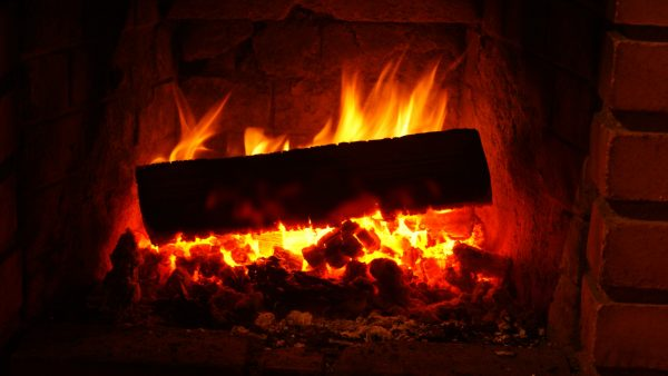 fireplace-wallpaper2-600x338