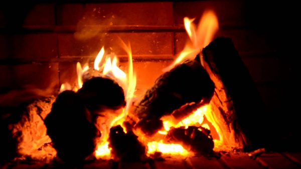 fireplace-wallpaper4-600x338
