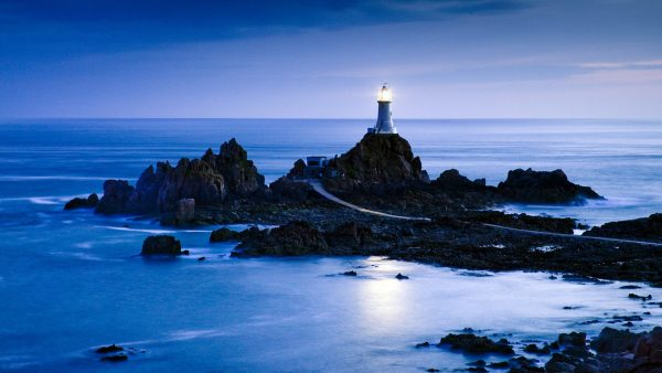 lighthouse-wallpaper9-600x338