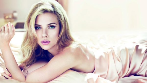 Scarlett Johansson wallpaper HD7