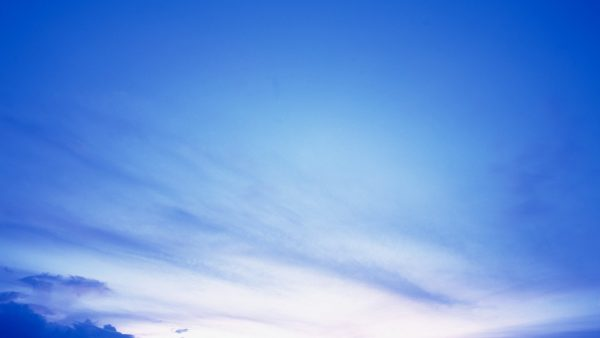 sky-blue-wallpaper-HD5-600x338