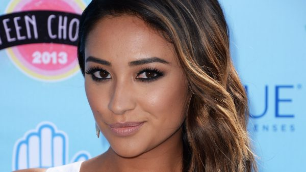 shay-mitchell-wallpaper-HD10-600x338