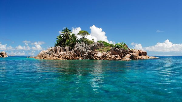 tropical-island-wallpaper-HD2-600x338
