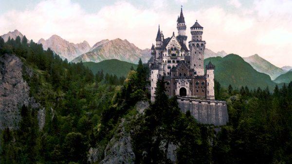 castle-wallpaper8-600x338