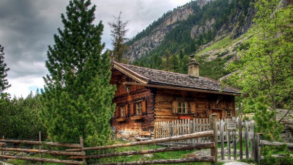 log-cabin-wallpaper1-600x338