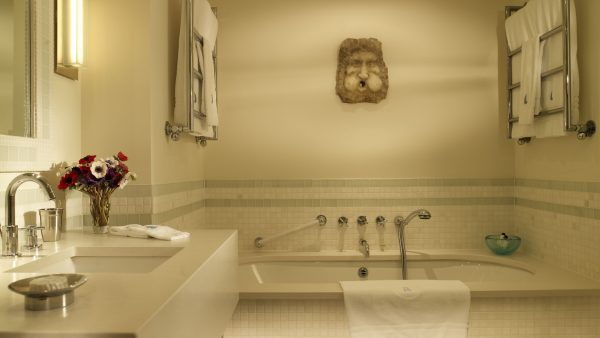 bathroom-wallpaper-designs2-600x338