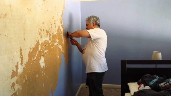 easy ways to remove wallpaper1 600x338