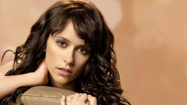 jennifer-love-hewitt-wallpaper3-600x338