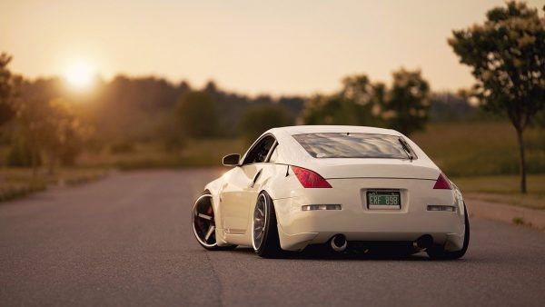 nissan-350z-wallpaper1-600x338