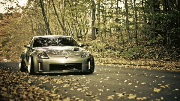 nissan-350z-wallpaper3-600x338