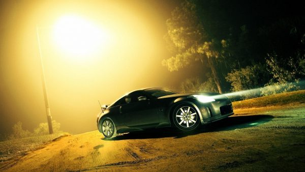 nissan-350z-wallpaper5-600x338