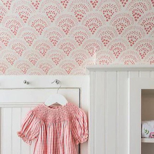 %E2%80%9C-dreaming-of-little-girls-rooms-this-am-our-Chou-Chou-in-pink-does-just-the-trick-in-wallpaper-wp3002798