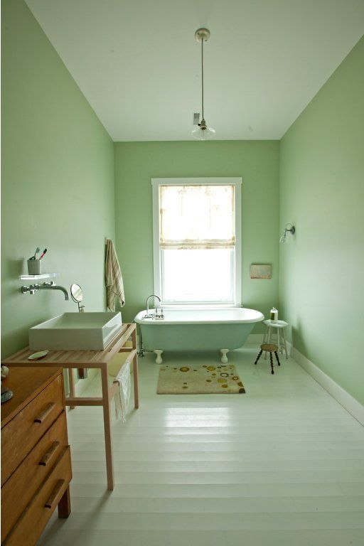 @Christall-Lowe-this-pistachio-coloured-bathroom-is-divin-wallpaper-wp3002544