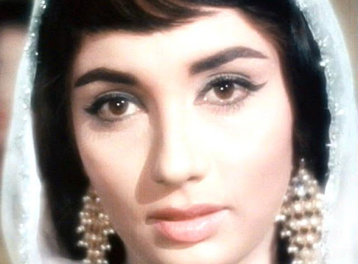 A-Legendary-Star-Sadhana-wallpaper-wp300104