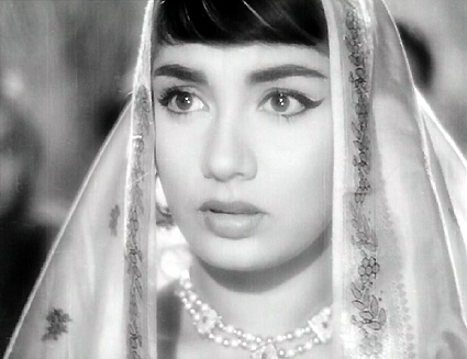 A-Legendary-Star-Sadhana-wallpaper-wp300602