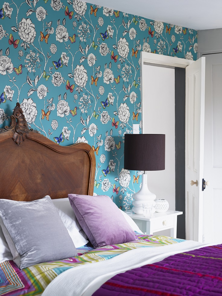 A-contemporary-all-over-trailing-design-featuring-vibrant-butterflies-and-elegant-trailin-wallpaper-wp423344