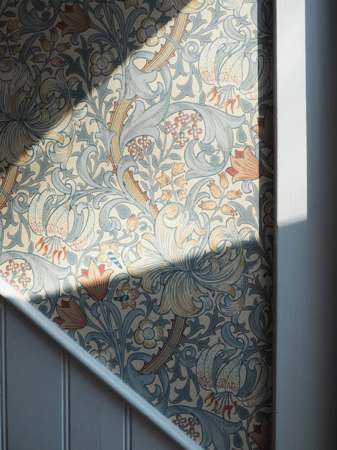 A-long-weekend-at-Babington-House-William-Morris-Traditional-interiors-Country-inter-wallpaper-wp3002894