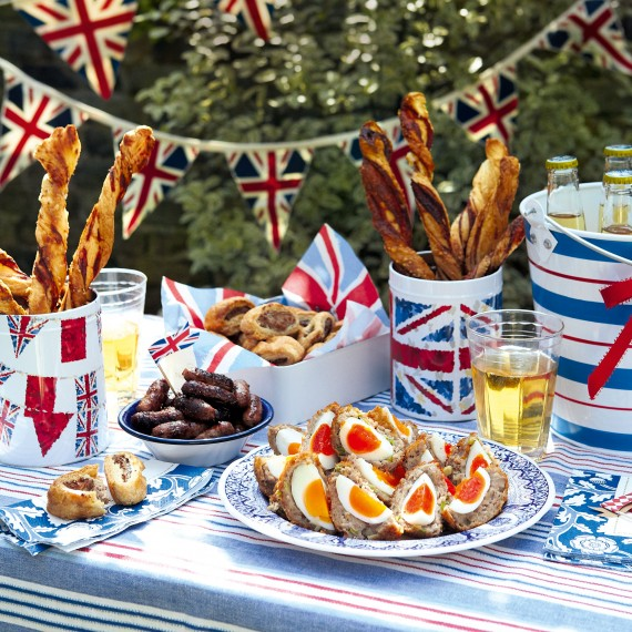 A-lovely-Jubilee-street-party-scene-We-cant-wait-to-set-our-table-out-in-the-bright-red-white-and-wallpaper-wp4803844