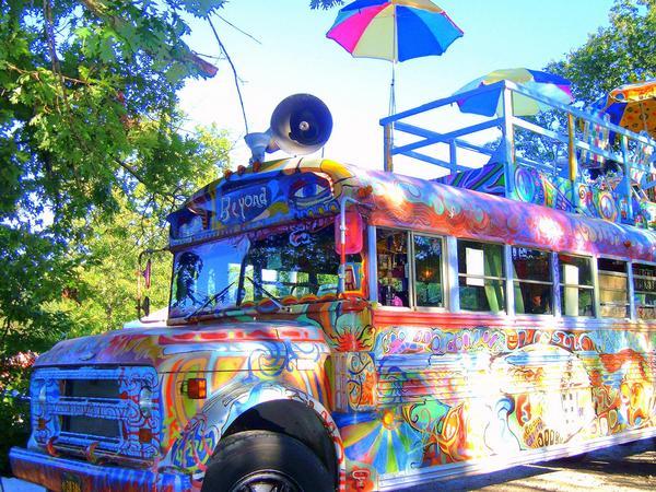Across-the-Universe-hippie-bus-wallpaper-wp423432-1