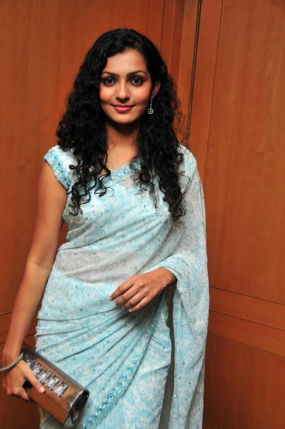 Actress-Parvathi-Menon-in-Saree-at-Prithvi-IAS-Music-Release-at-Parvathi-Menon-at-Film-Prithvi-I-wallpaper-wp4803904