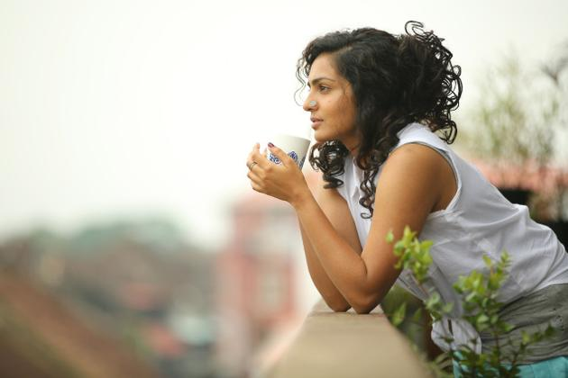 Actress-Parvathy-wearing-a-nose-pin-in-Charlie-Photo-Anup-Chacko-wallpaper-wp4803906