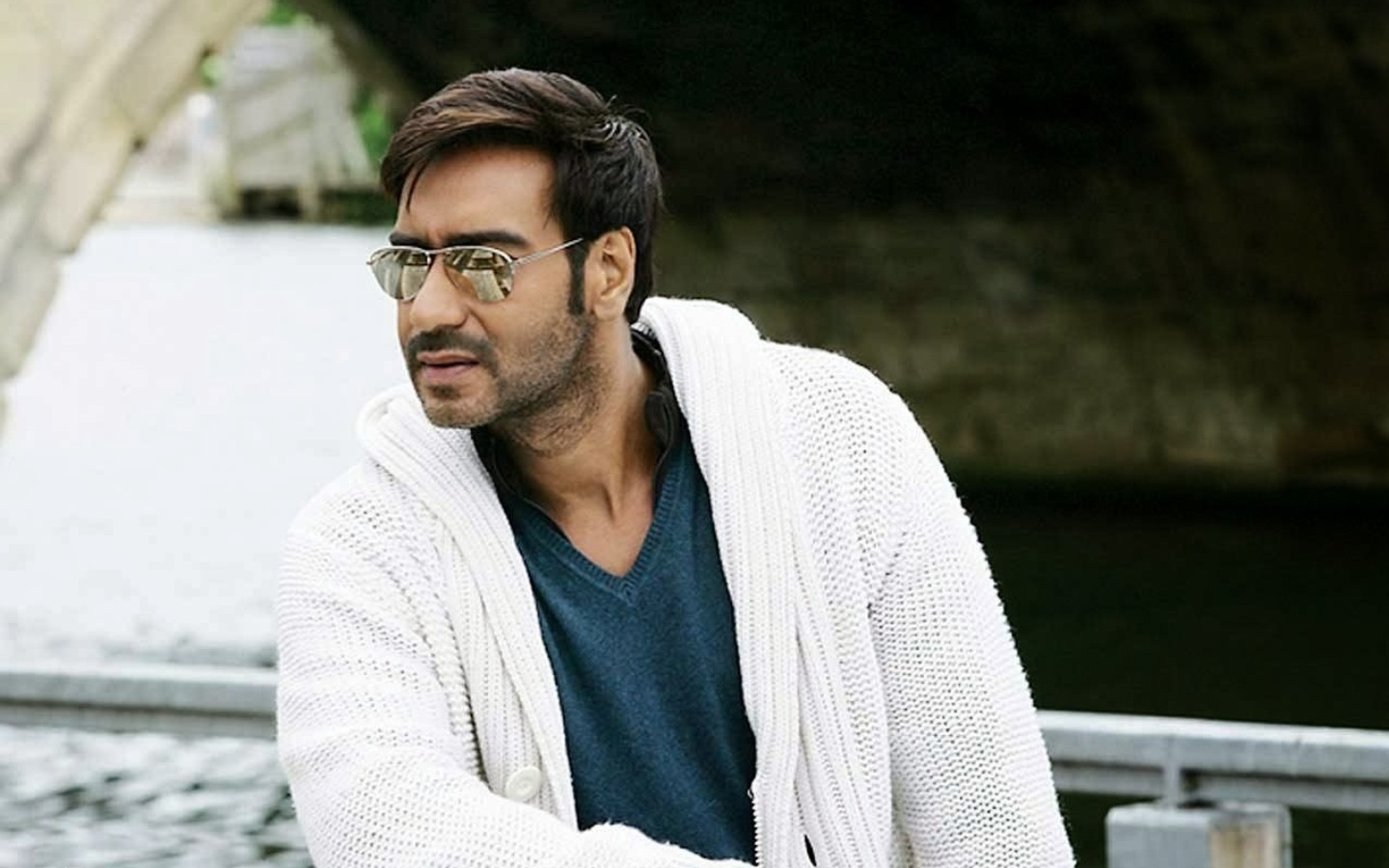 Ajay-Devgan-Bollywood-Actor-HD-Ajay-Devgan-Bollywood-Actor-HD-ajay-devgan-lates-wallpaper-wp3402236