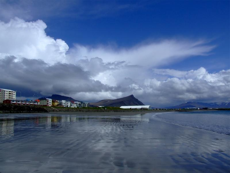 Akranes-Iceland-Photo-by-Bjorn-Ludviksson-wallpaper-wp5004379