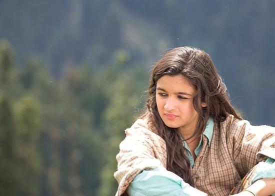 Alia-Bhatt-in-Highway-Movie-wallpaper-wp540834