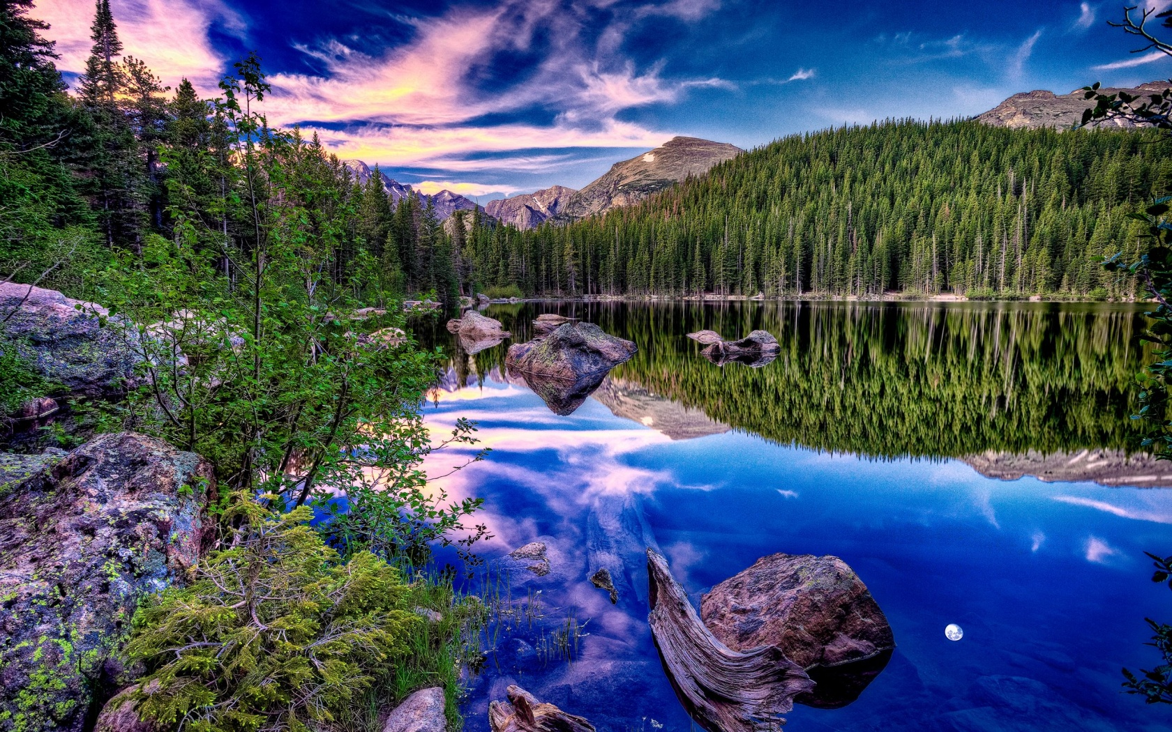 Alpine-Lake-wallpaper-wp3402277